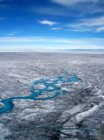 assets-climatecentral-org-images-uploads-news-6_8_14_Brian_GreenlandDirtyIce-350x467