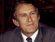 Malcolm Fraser bows out