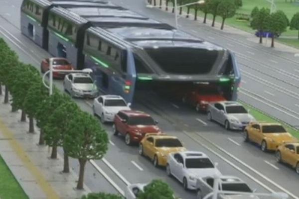 Chinese bus_7448234-3x2-700x467_600