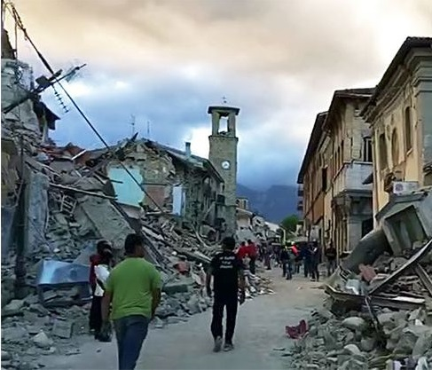 Italy earthquake_90897926_comp-amatrice_after