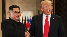 Trump meets soul mate in 'Rocket Man'